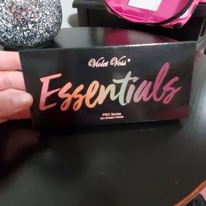NEW Violet Voss Essentials eyeshadow Pallet